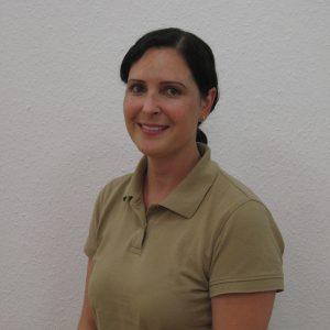 Frau Dr. Julia Mangin