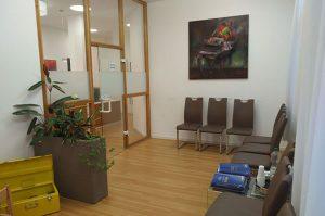 Wartezimmer für Patienten der HNO Praxis Mangin